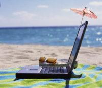 laptop-on-beach
